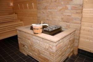 Es gibt vier unterschiedliche Saunaöfen für die Sauna