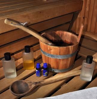 saunaaufguss f r die sauna saunaofen. Black Bedroom Furniture Sets. Home Design Ideas