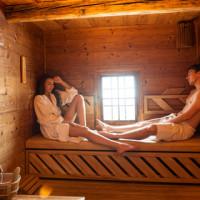 Der Saunabesuch - Darf man mit einem Pflaster, Medikamente oder Kontaktlinsen is die Sauna?